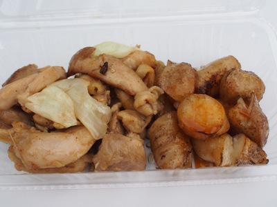 鶏ちゃん焼きと牛コロホルモン.JPG