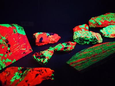 硅亜鉛鉱2.JPG