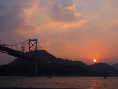海峡の夜明け