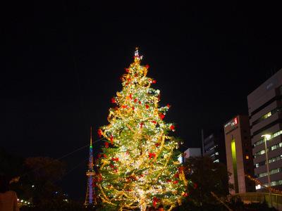 クリスマスツリーとテレビ塔.JPG